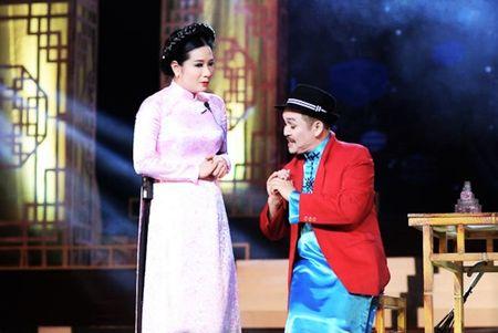"Thanh Thanh Hien tiet lo chuyen ""bo bom"" Xuan Hinh trong lan hen dau - Anh 1"