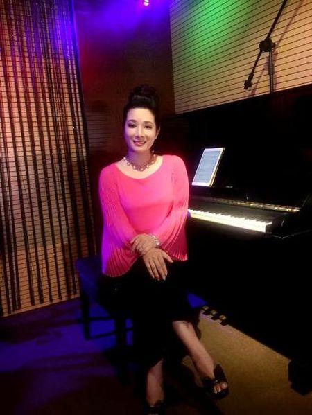 "Thanh Thanh Hien tiet lo chuyen ""bo bom"" Xuan Hinh trong lan hen dau - Anh 2"