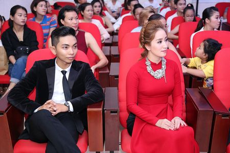 Dan sao den le cung To nghe do Khanh Thi - Phan Hien chu tri - Anh 1