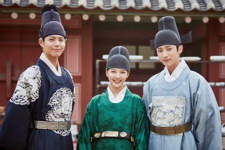 Dat len ban can hai bo phim dang hot nhat xu Han - Anh 1