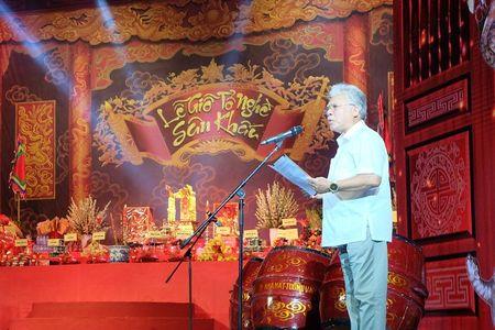 Nghe si Viet ron rang ngay Le gio To nghe san khau - Anh 3