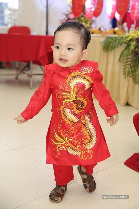 Phan Hien vua be con vua om eo Khanh Thi - Anh 10