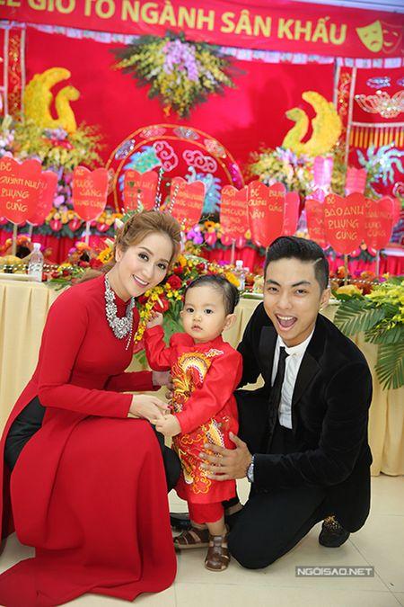 Phan Hien vua be con vua om eo Khanh Thi - Anh 5