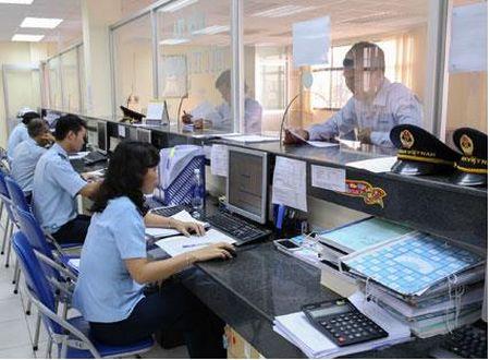 Hai quan Quang Ninh thu ngan sach dat tren 71% chi tieu - Anh 1