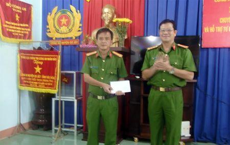 Khen thuong Cong an huyen Cu Jut - Anh 1