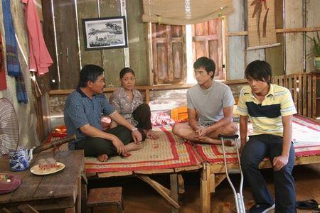 """Luong The Thanh bi xem la """"do rac ruoi"""" trong Dong song huynh de - Anh 3"""