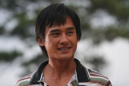 """Luong The Thanh bi xem la """"do rac ruoi"""" trong Dong song huynh de - Anh 7"""