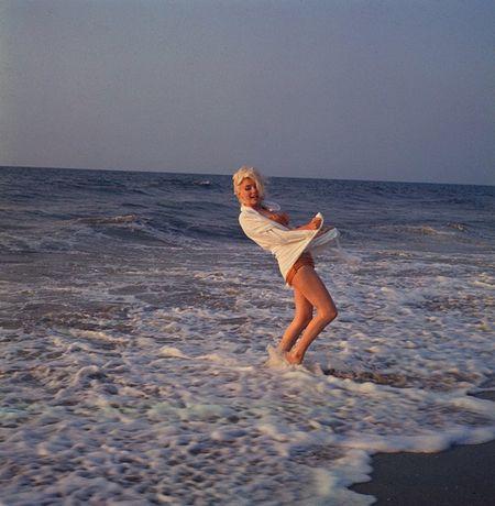 Marilyn Monroe quyen ru trong bo anh cuoi cung cua cuoc doi - Anh 14