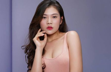 Chung Huyen Thanh lan dau cong khai ban trai tren facebook - Anh 1