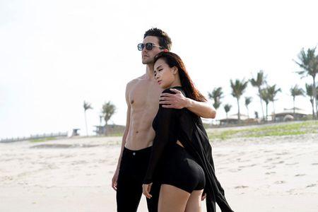 Ai Phuong goi cam om ap trai Tay - Anh 2