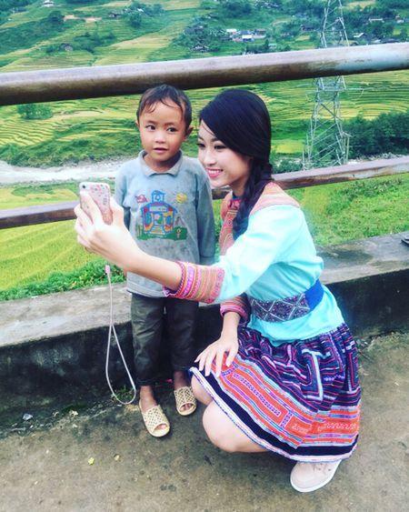Do My Linh xinh dep nhay sap cung nguoi dan vung Tay Bac - Anh 4