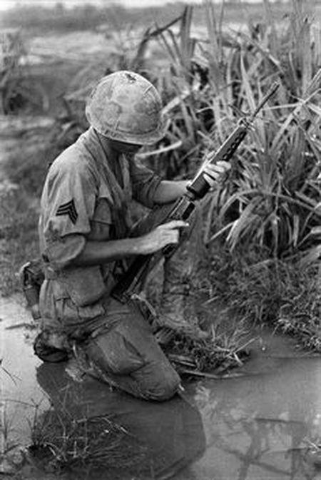 Linh My o Viet Nam va tham hoa mang ten AR-15 - Anh 6