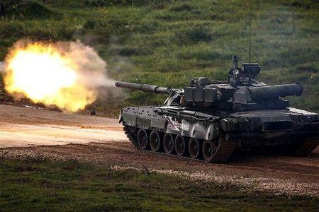 Video: Sieu xe tang Armata khai hoa day uy luc - Anh 1