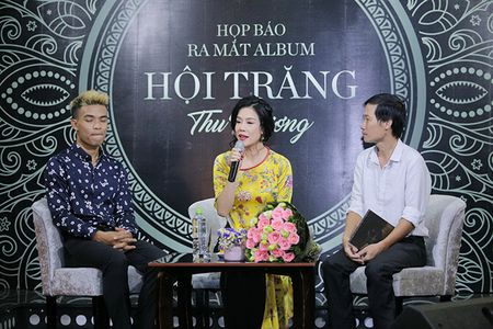 Thu Phuong nghen ngao bat khoc nho ve nhung ngay trung thu chi co vai hat lac - Anh 3