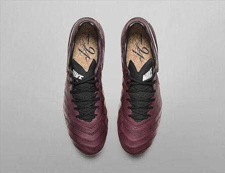 Mau giay Nike lay cam hung tu niem dam me ruou vang cua Andrea Pirlo - Anh 4