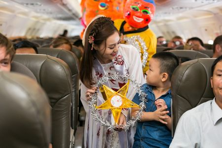 Jetstar Pacific to chuc mua lan tren troi nhan dip trung thu - Anh 6
