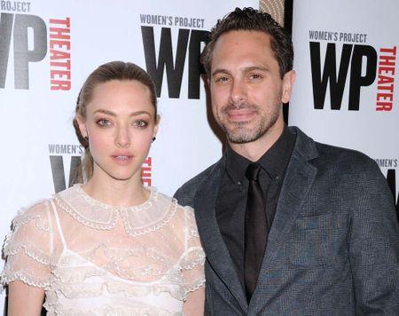 Sao phim 'Mamma Mia!' Amanda Seyfried bat ngo dinh hon - Anh 1