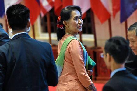 Ba Suu Kyi cong du: Thu thach suc manh Myanmar - My - Anh 1