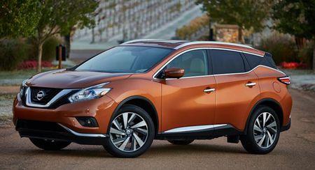 Nissan trieu hoi hang loat xe vi loi 'bat lua dong co' - Anh 1