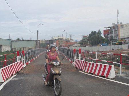 TP.HCM: Thong xe qua cau tam Tan Ky-Tan Quy - Anh 4