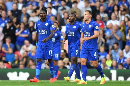 Bravo, Mkhitaryan lot doi hinh te nhat vong 4 Premier League - Anh 8