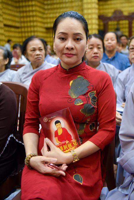 Ca si Dong Dao cung 100 nguoi cau an cho Minh Thuan - Anh 4