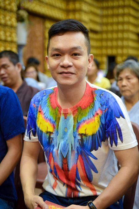 Ca si Dong Dao cung 100 nguoi cau an cho Minh Thuan - Anh 5