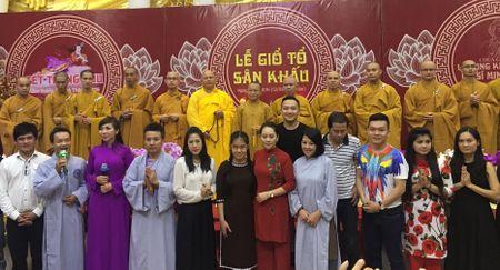 Nghe si bo viec rieng hat trong dem nhac danh cho Minh Thuan - Anh 2