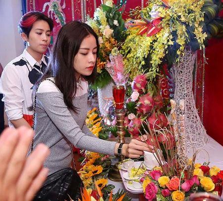 Sao Viet den trung tam khieu vu cua Khanh Thi du gio To - Anh 2