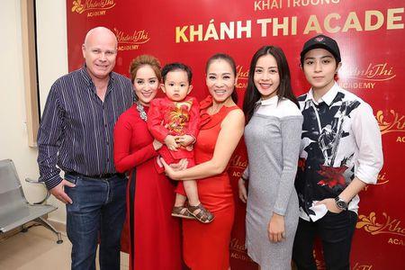 Sao Viet den trung tam khieu vu cua Khanh Thi du gio To - Anh 3