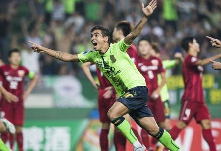 Doi bong nha giau Trung Quoc thua dam o AFC Champions League - Anh 1