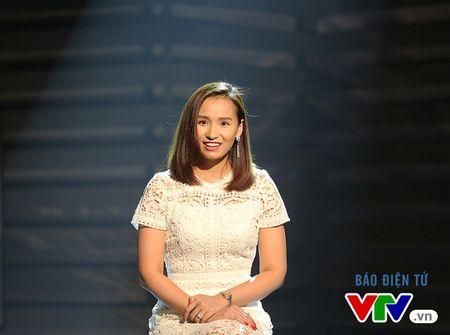 Phan ung bat ngo cua La Thanh Huyen khi bi 'nem da' - Anh 1
