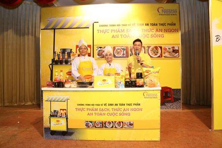 Nestle Professional tham gia nang cao kien thuc, ky nang cho nguoi kinh doanh an uong duong pho - Anh 1