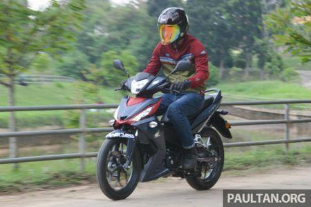 Chon mua Honda RS150R hay Yamaha 15ZR? - Anh 11