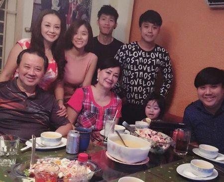 Con trai Hoai Linh 'gay bao' vi khoe ban gai xinh nhu mong - Anh 6