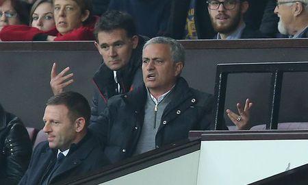 An phat nang 'lo lung' tren dau Mourinho - Anh 1