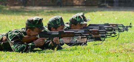 Man nhan bo doi Viet Nam do tai ban AK, PKMS, K54 - Anh 13