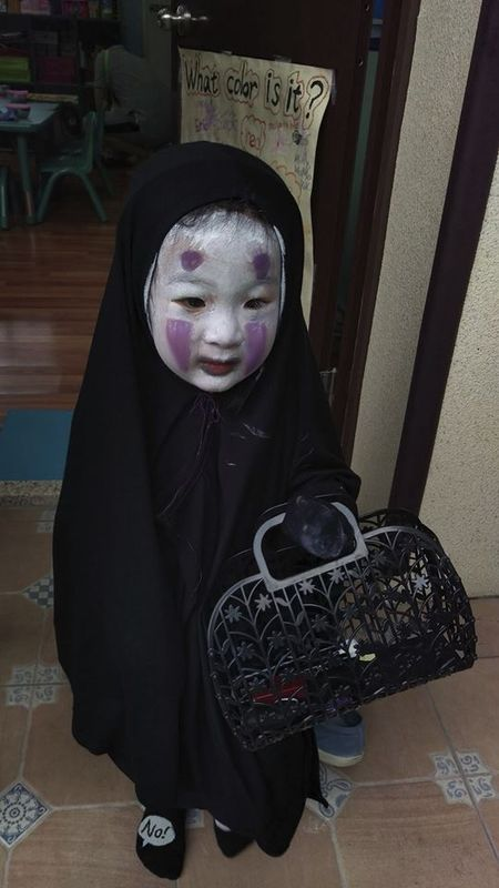 Be gai hoa trang quy Vo dien hot nhat mang Viet dip Halloween - Anh 1