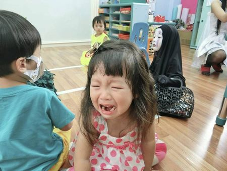 Be gai hoa trang quy Vo dien hot nhat mang Viet dip Halloween - Anh 4