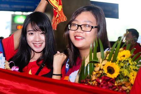 U19 Viet Nam duoc NHM don tiep nhu nguoi hung - Anh 2