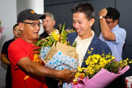 U19 Viet Nam duoc NHM don tiep nhu nguoi hung - Anh 9