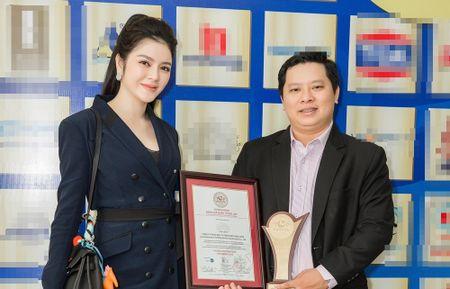 Tap doan cua Ly Nha Ky lot Top doanh nghiep co chi so canh tranh hang dau - Anh 1