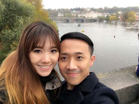 Tran Thanh, Hari Won hanh phuc giua troi Tay - Anh 1