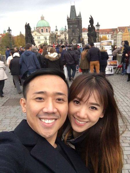 Tran Thanh, Hari Won hanh phuc giua troi Tay - Anh 4