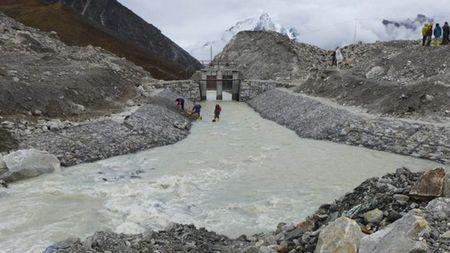 Nepal thao nuoc ho bang o do cao gan 5.000 m - Anh 2