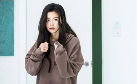 """Dot nhap vao nha Lee Min Ho va cai ket dang danh cho """"tien ca"""" Jeon Ji Hyun - Anh 1"""