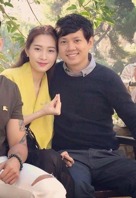 Hoa hau Thu Thao hanh phuc di du lich chau Au voi ban trai dai gia - Anh 1