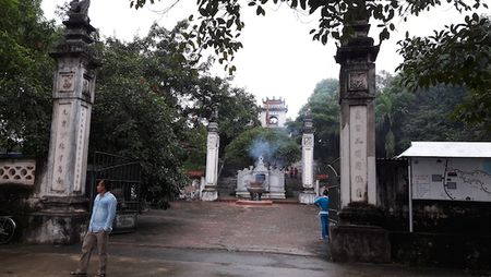 Trom 'vieng tham' den Cuong, lay sach tien cong duc - Anh 1