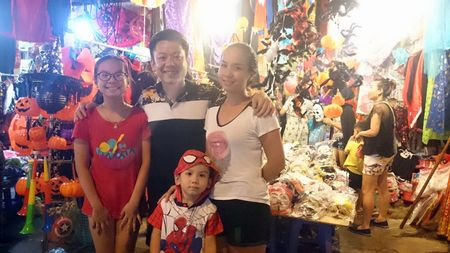 Halloween ngay cang duoc Viet hoa tren duong Ha Noi - Anh 5