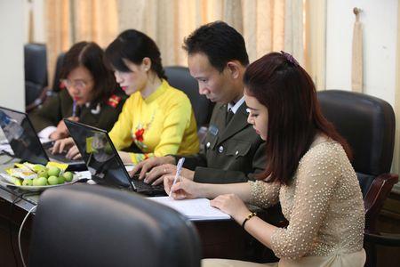 Trong 'the gioi phang', tai sao cang phai 'Nhan van - Tin cay - Kip thoi' - Anh 1